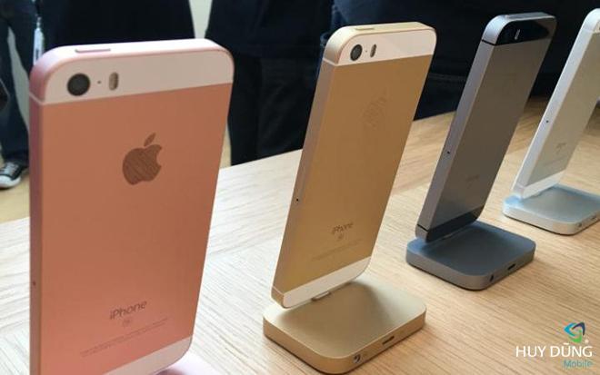 iPhone SE giá bao nhiêu khi xách tay về Việt Nam?