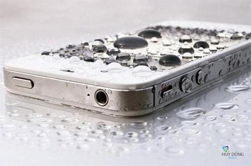 Cách nhận biết điện thoại iPhone, iPad bị vô nước, từng rớt nước