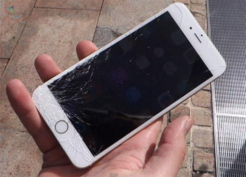 Kính màn hình iPhone 6s Plus / 6s có bị trầy xướt không ?