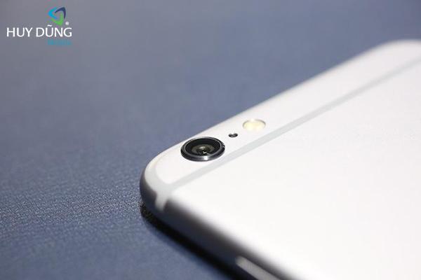 Thay kính camera sau iPhone bị trầy, bể bóc máy lấy liền HCM
