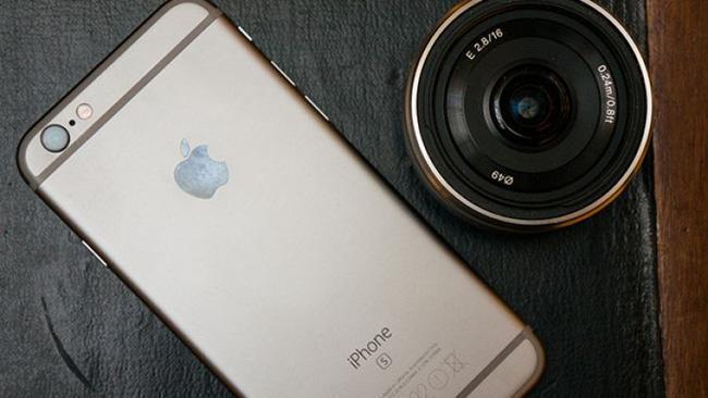 photo-1-1462989677685