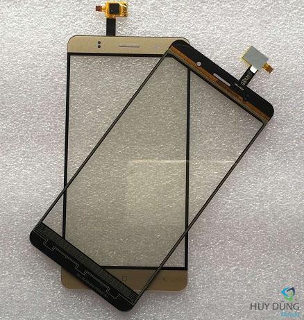 ep kinh Blackberry Z30