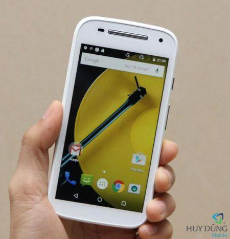 thay ep kinh Motorola Moto E