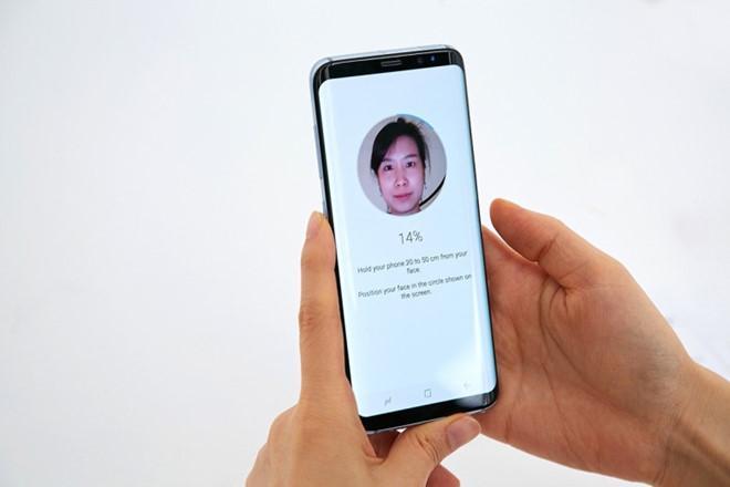 Face ID la con dao hai luoi tren iPhone X hinh anh 2